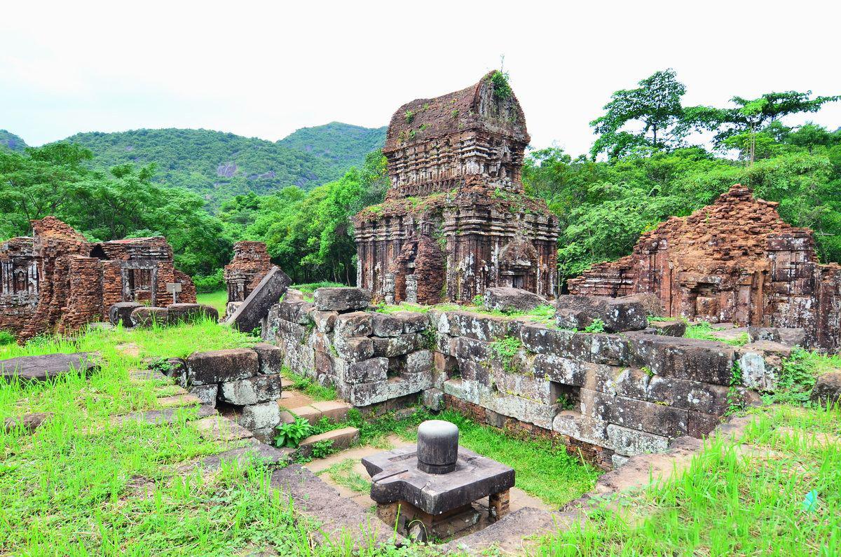 Một số ngọn tháp Chăm bí ẩn hấp dẫn khách du lịch miền Trung - ảnh 1